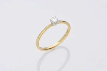 0.20ct Yellow Gold Diamond Solitaire