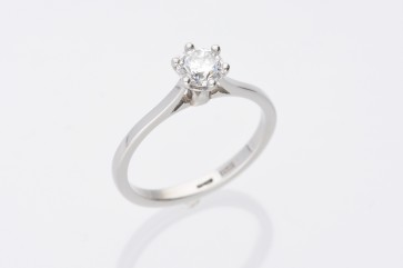 Platinum 0.61ct Solitaire Ring