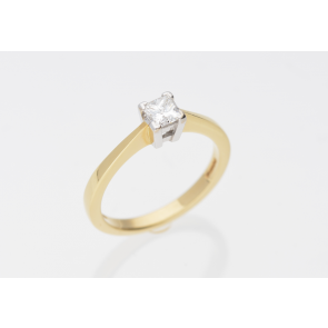 0.50ct Princess Cut Pre-Owned Ring
