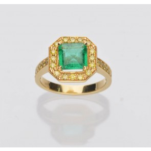 Pre Owned 18ct Yellow Gold Emerald & Yellow Diamond Cluster ring