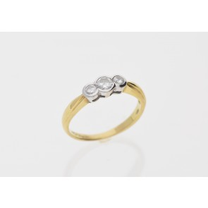 18ct Yellow Gold 2 Stone Diamond Ring