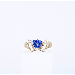 14ct Yellow Gold Tanzanite Bow Ring
